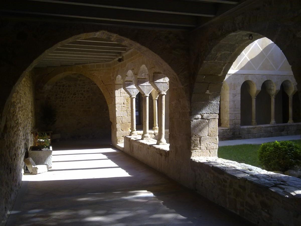 Claustre monestir cervià de ter gironès amics de cervià antic