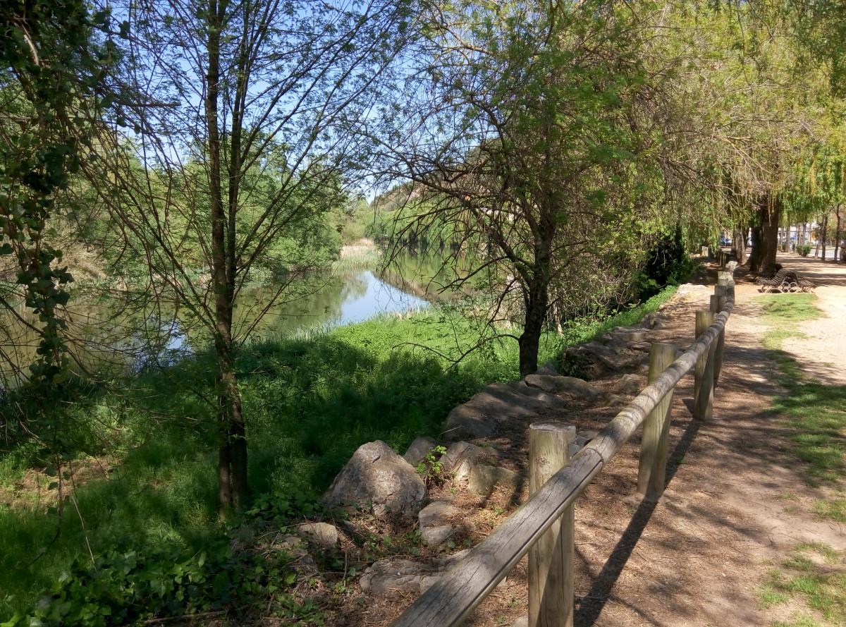 Passeig a la vora del Riu Ter