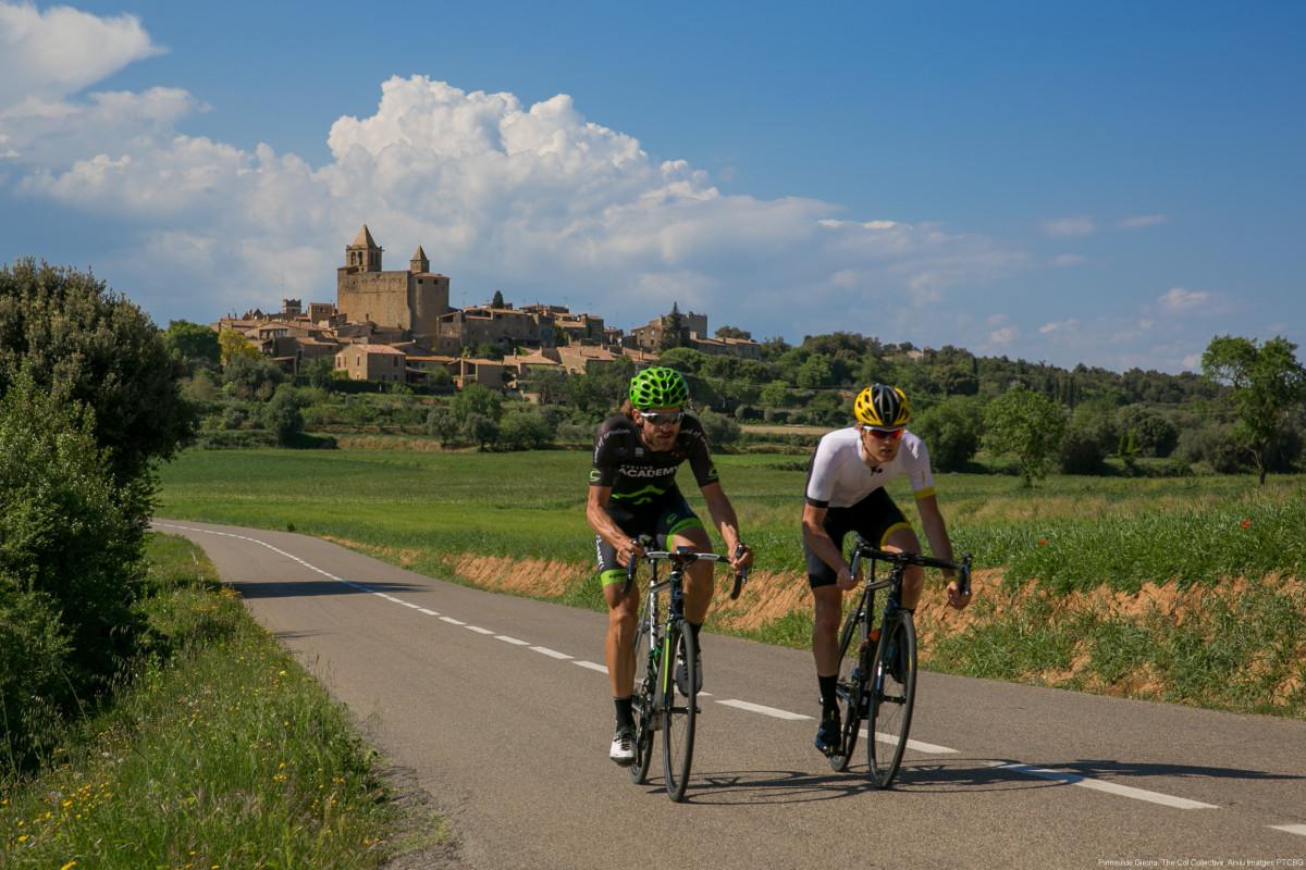 Ciclistes a la carretera